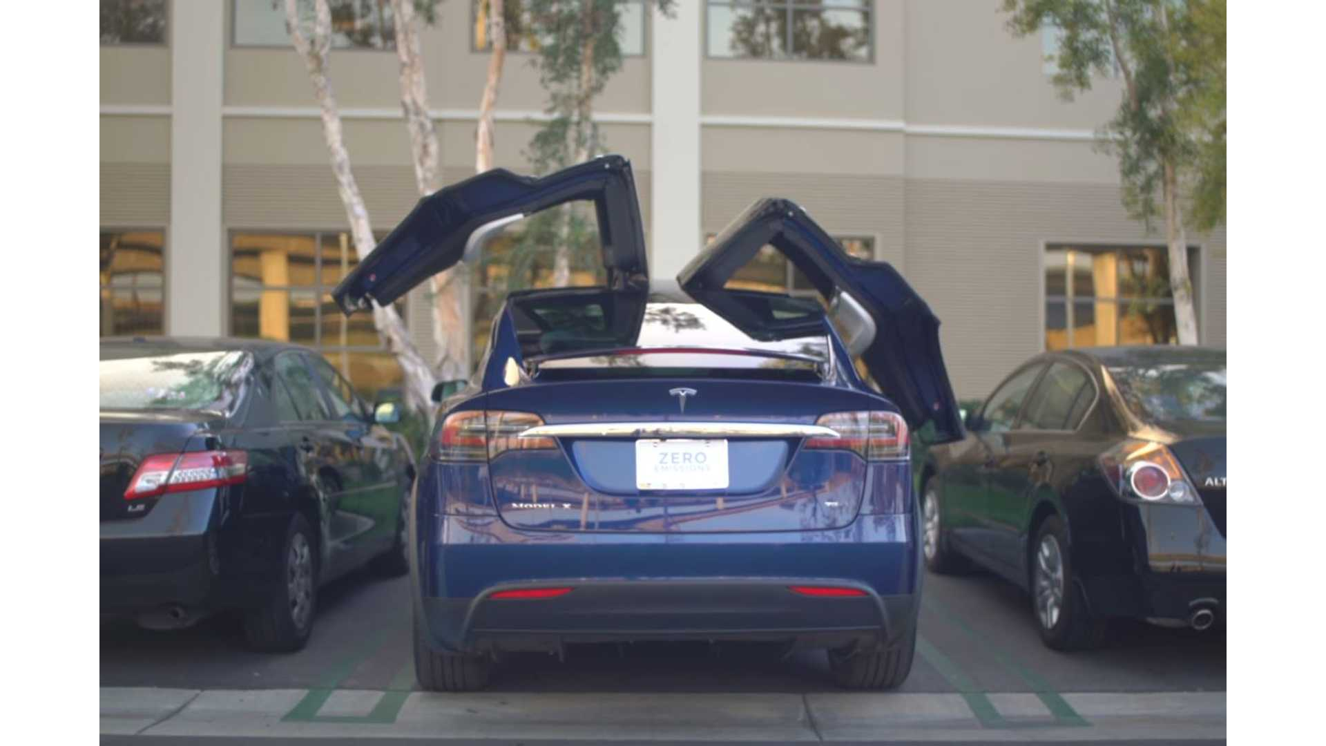 In Depth Look At Functionality Of Tesla Model X Falcon Wing Doors Video