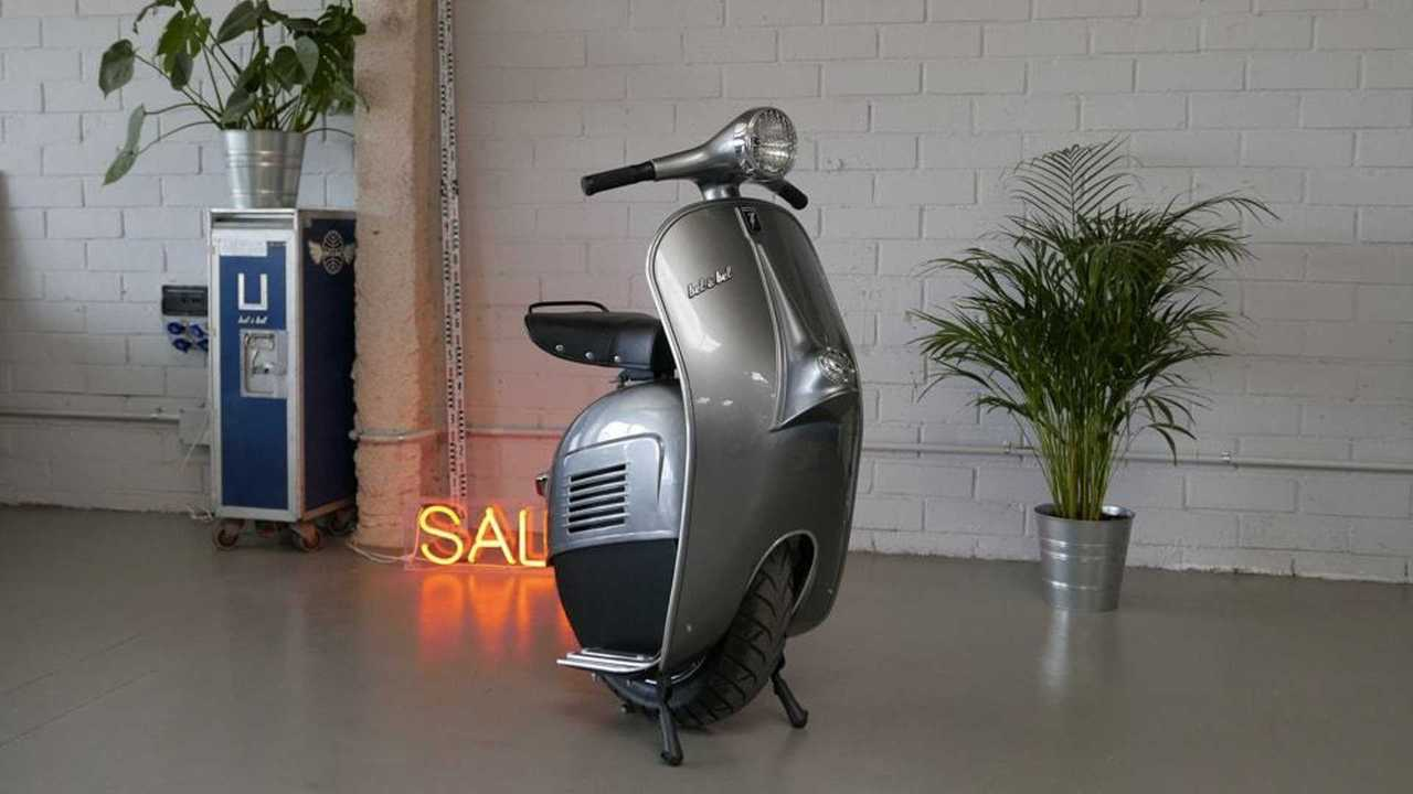 This Quirky Vespa-Inspired Electric Scooter Is Missing A Wheel