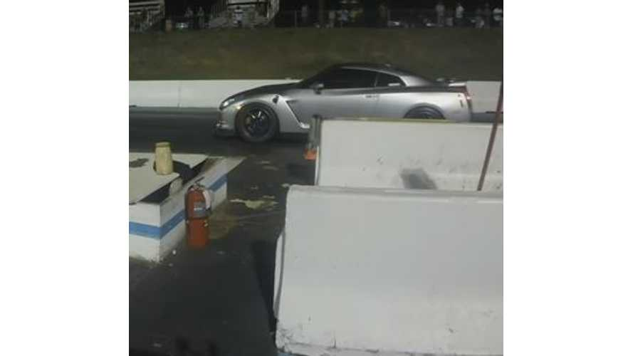 Tesla Model S P85D Versus Nissan GT-R - Drag Race Video