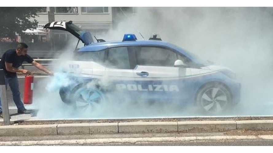 BMW i3 REx Police Car On Fire In Rome - Video