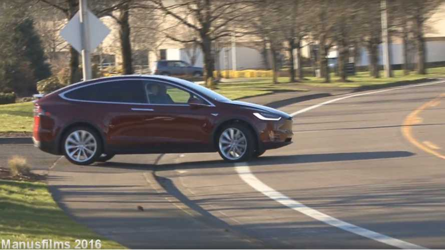First Tesla Model X In Oregon - #118 Caught On Video