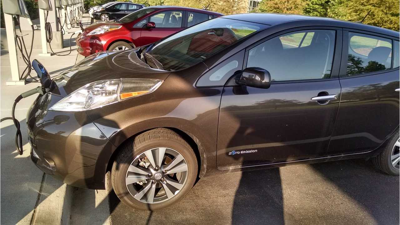 New 2016 Nissan LEAF In Forged Bronze Spotted Earlier This Month(via <a href=