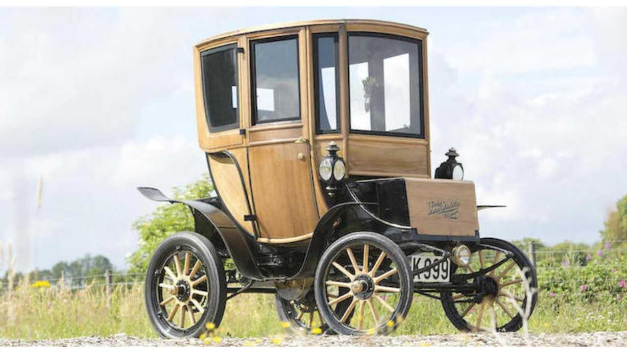 1905 Woods Electric Vehicle Sells At Auction For Almost $100,000