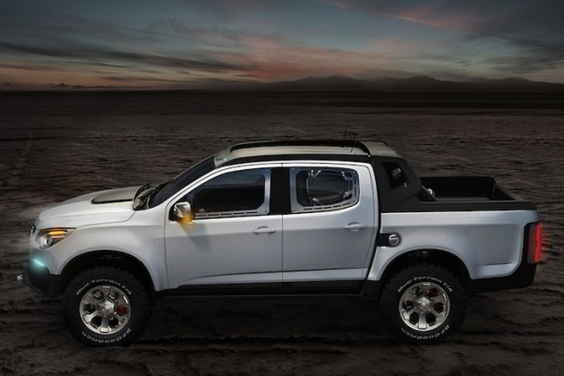 Chevy Colorado To Take On Ford Raptor With Aggressive Off Road Package