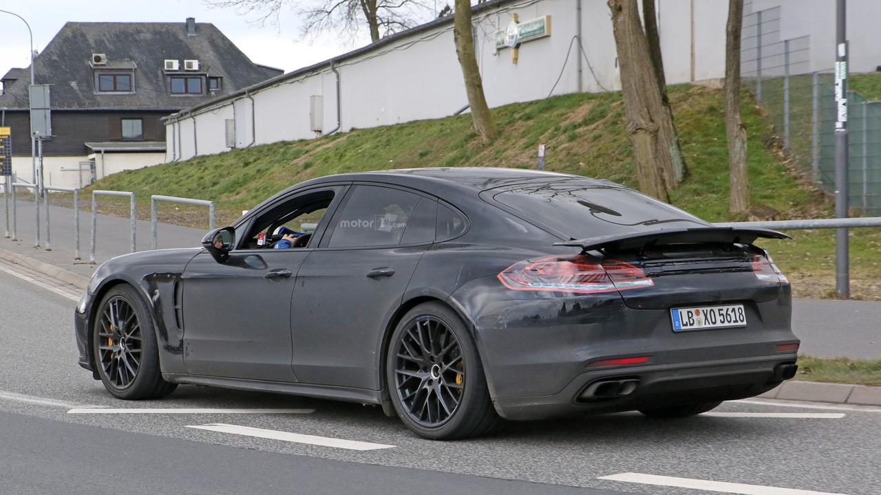 Spyshot de la Porsche Panamera 2017