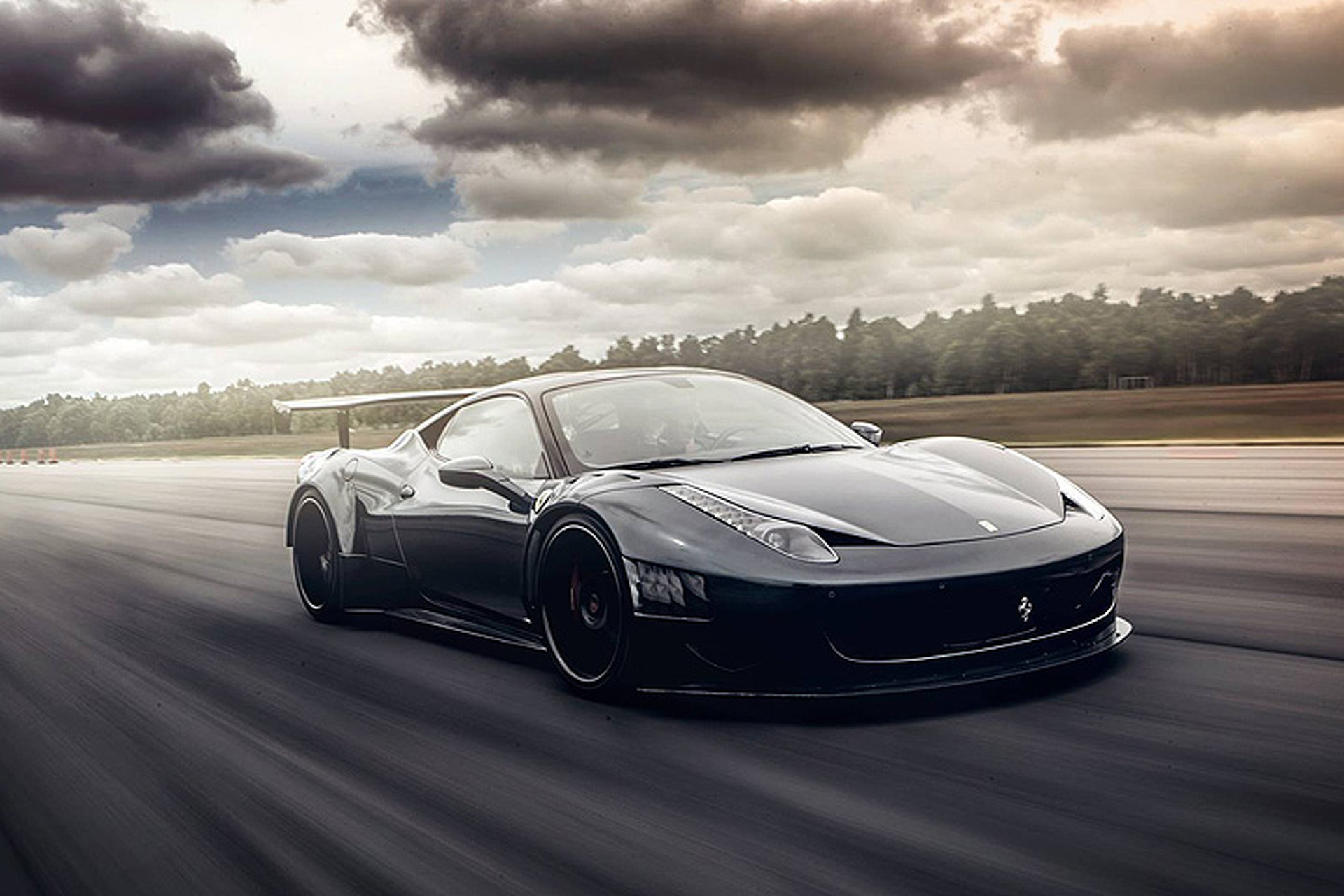 Stunning Ferrari 458 Evolves Into Street,Legal Race Car