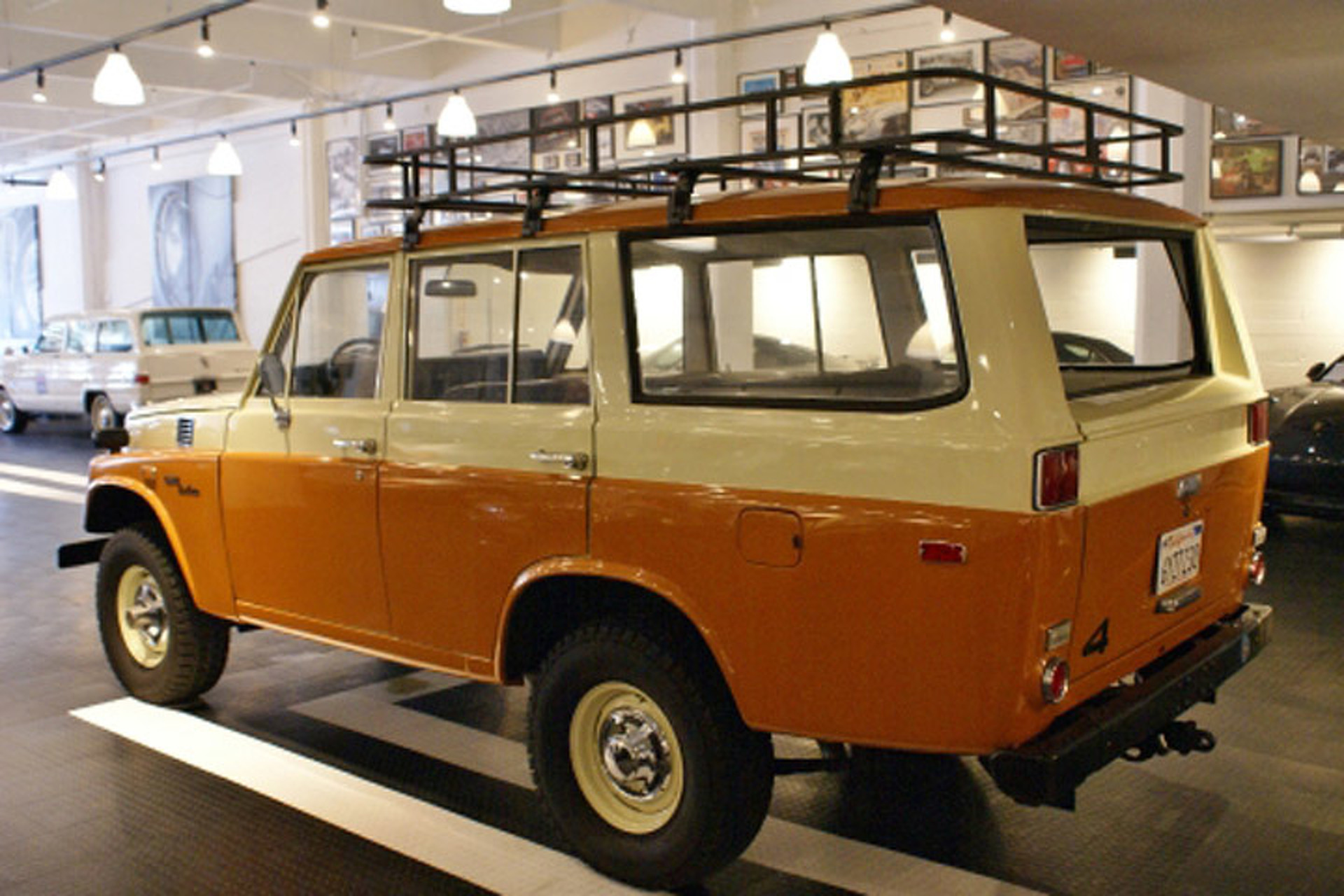 Land Cruiser Or Rover Which Would You Buy 1975 Toyota Fj40