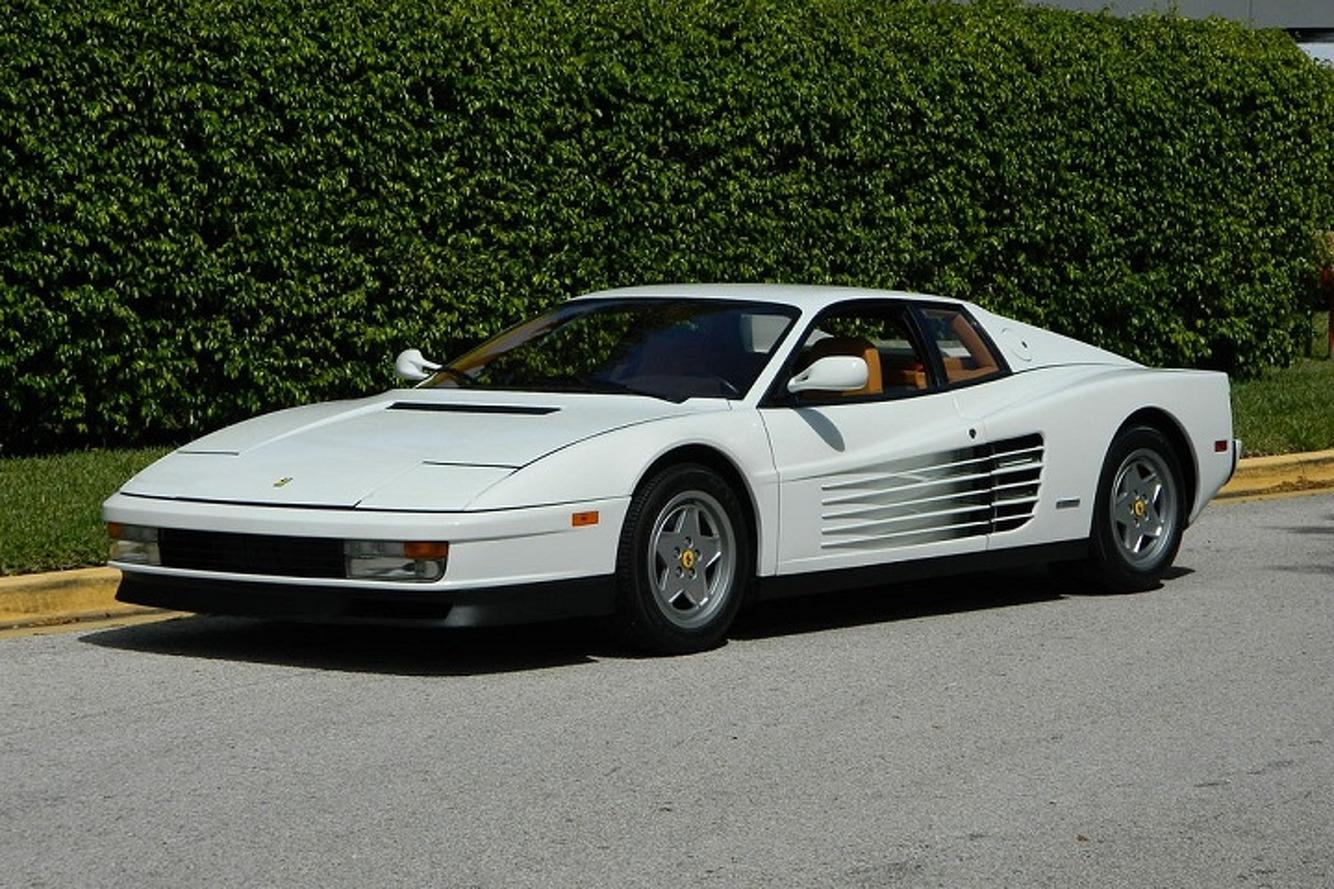 Sekelumit Catatan Ferrari Testarossa, Legenda yang Berevolusi