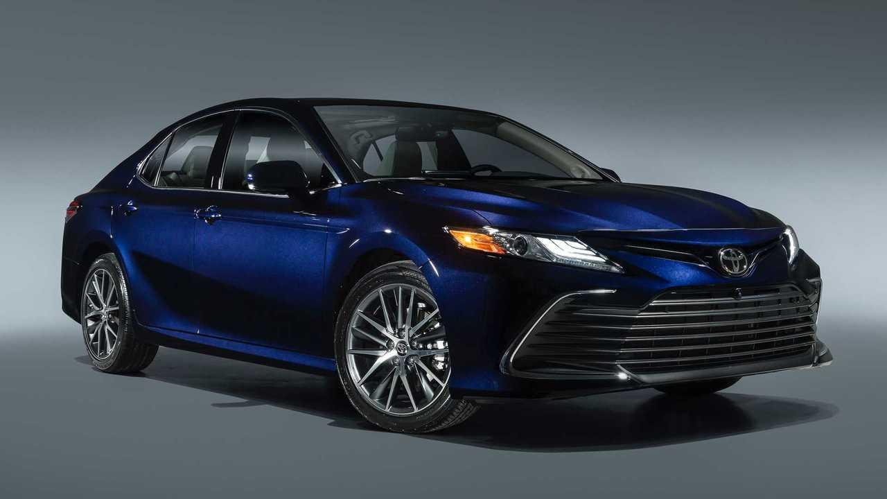 Обновленная Toyota Camry для США