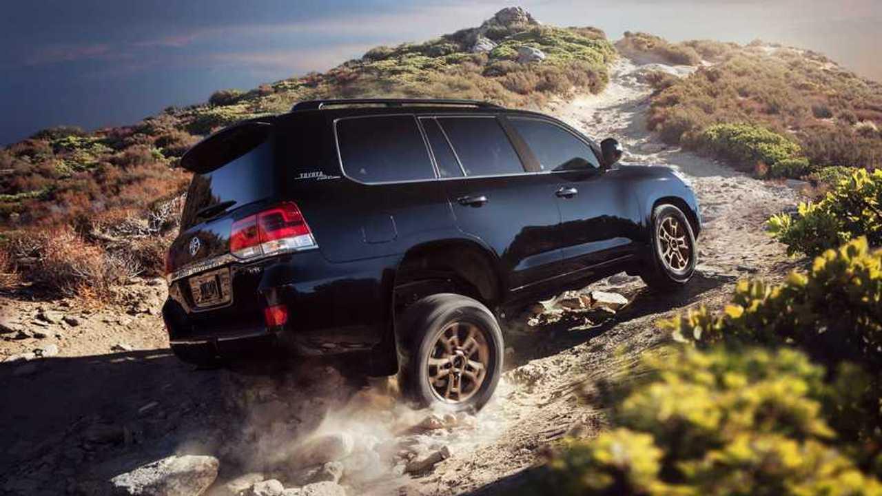 2021 Toyota Land Cruiser Rear Three Quarters
