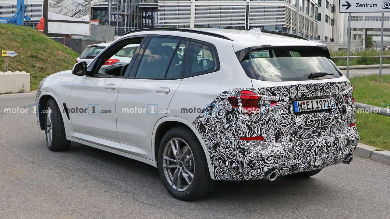2021 BMW X3 History