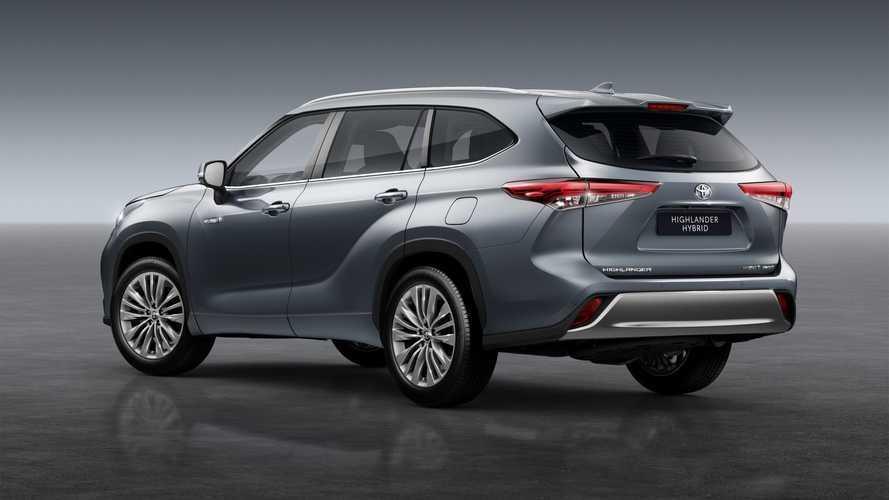 Toyota Highlander, i prezzi e gli allestimenti del SUV ibrido taglia XL