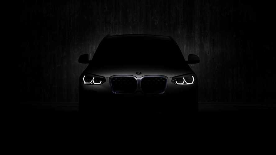 BMW показала ноздри серийного iX3