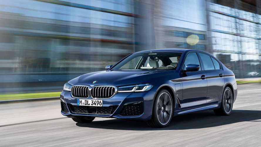 Novo BMW Série 5 2021 estreia com 5 versões híbridas plug-in - veja fotos