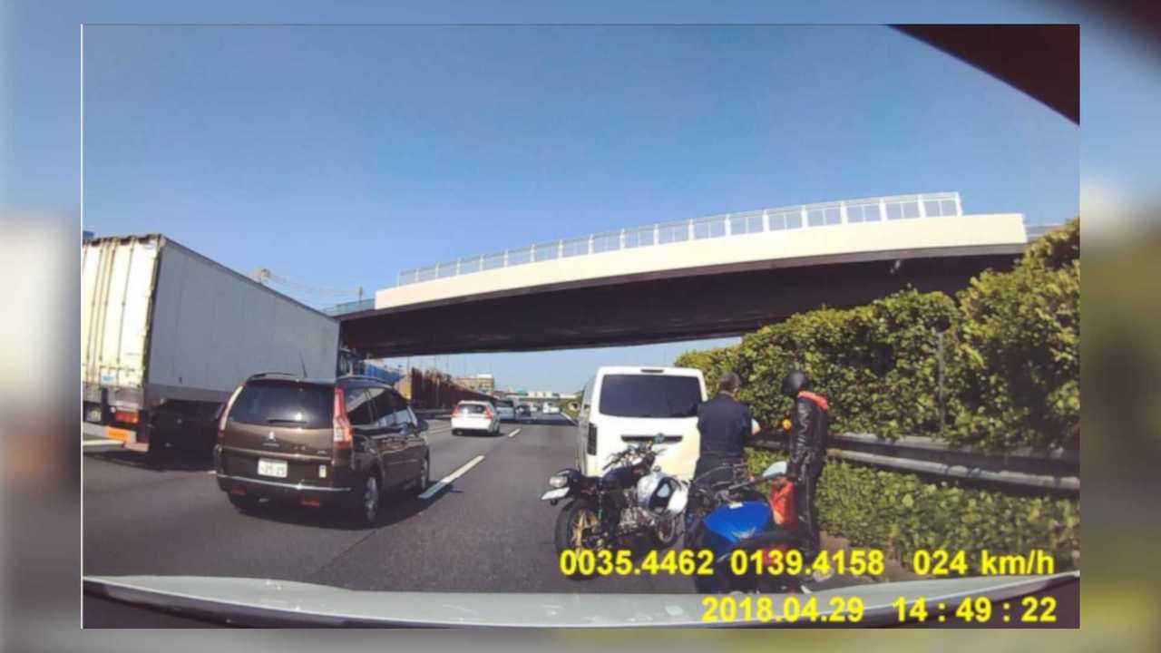 Tesla Model X Dashcam Footage
