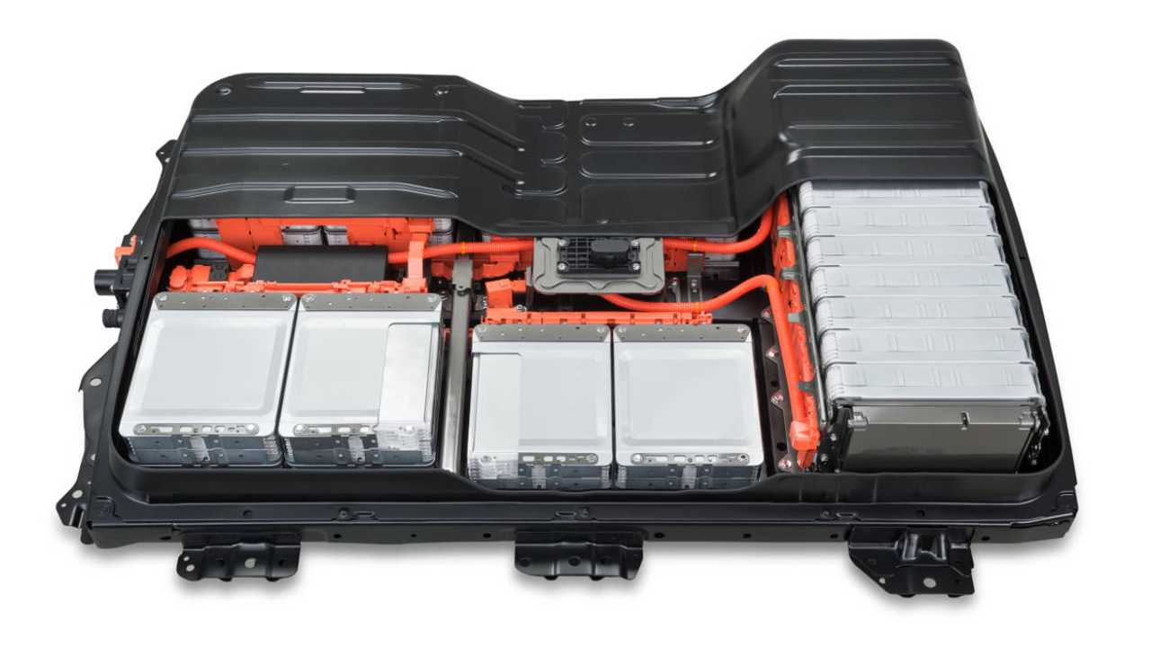 Nissan построил фабрику по капремонту старых батарей для электрокара Leaf