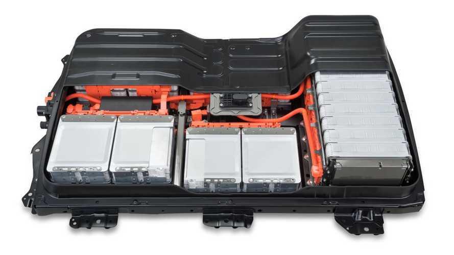Nissan: Батареи электрокара Leaf на 10-12 лет переживут свои автомобили