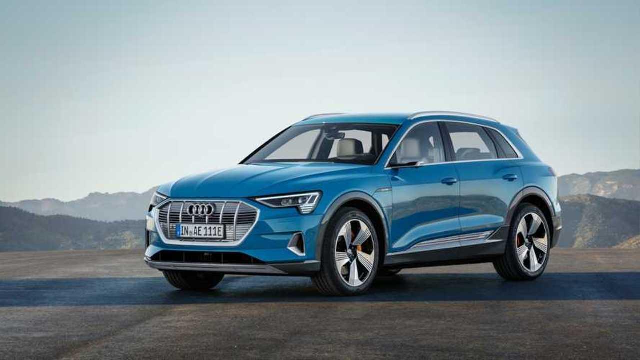 Cерийный Audi e-tron: подробности, фото, видео и технические характеристики