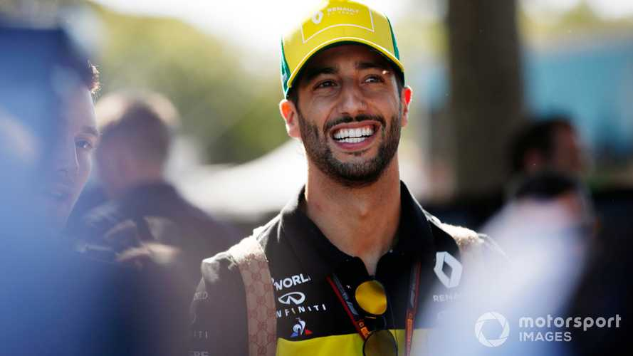 Ricciardo leaves Renault to join McLaren for 2021
