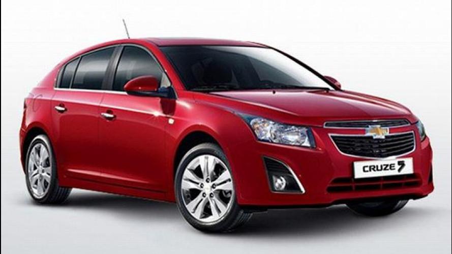 Chevrolet Cruze facelift: le prime immagini