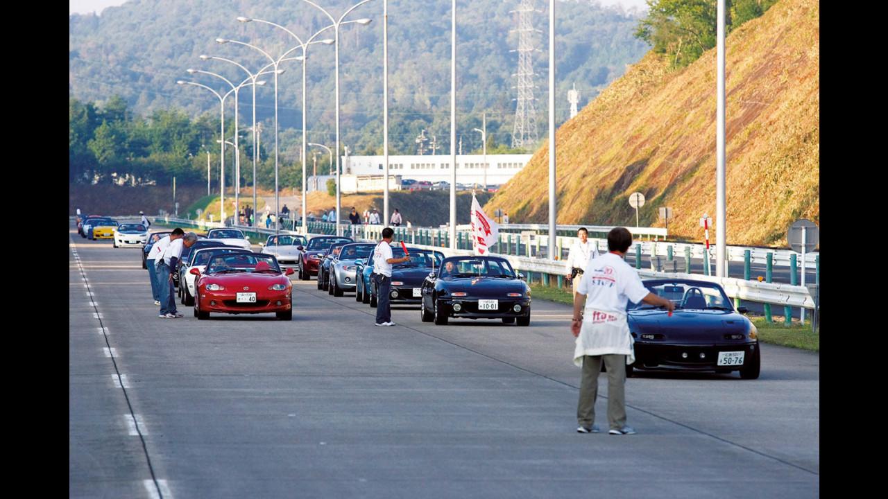 1.600 Mazda MX-5 al raduno del ventennale