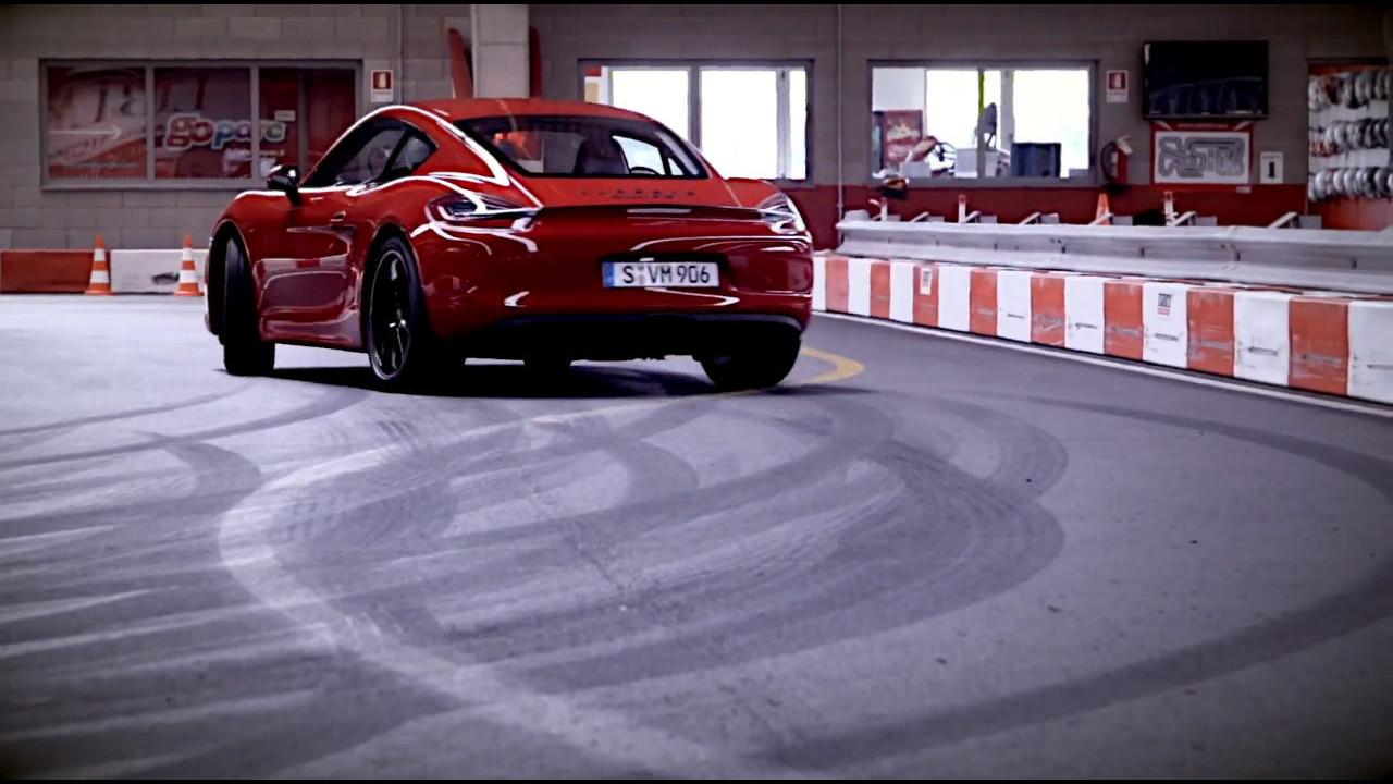 Porsche Cayman GTS al kartodromo
