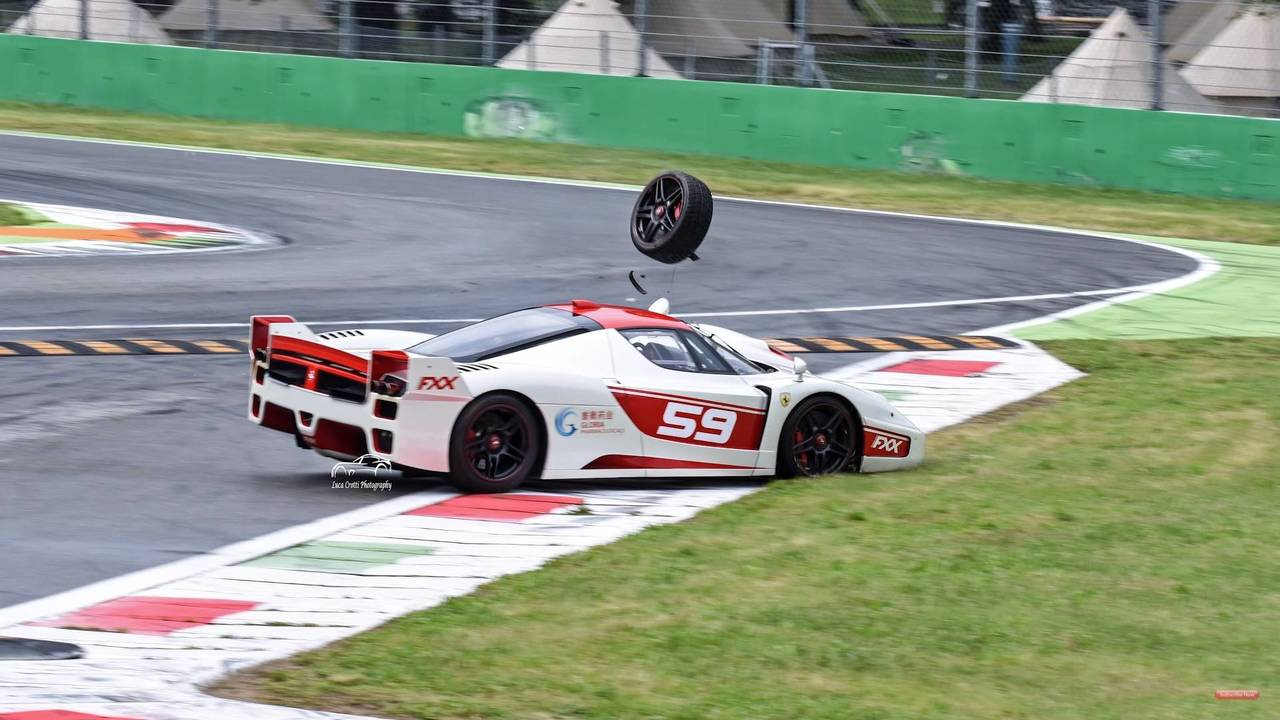 Ferrari FXX EVO Crash