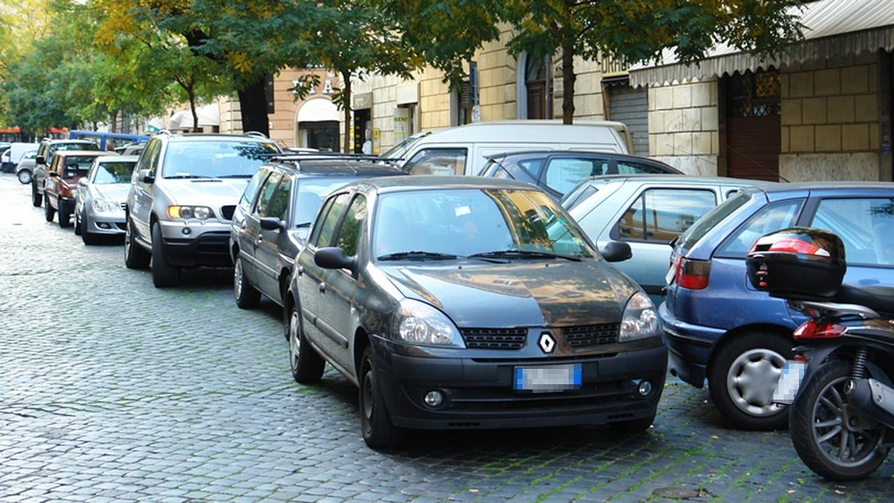 [Copertina] - Parcheggio in doppia fila, in Israele si rischia il carcere