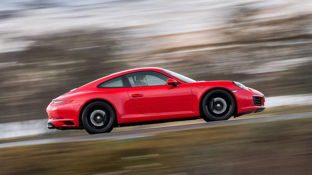2016 Porsche 911 Red