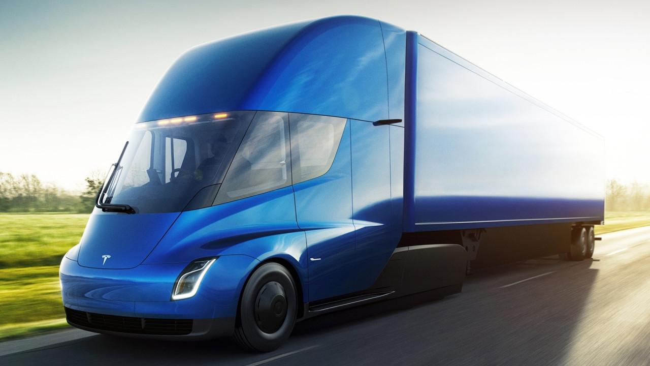 [Copertina] - Tesla Semi Truck, il camion elettrico da 800 km di autonomia