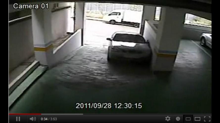 """VÍDEO: Como """"NÃO"""" estacionar em um edifício-garagem"""