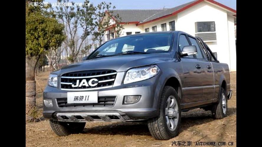 """Picape JAC Motors """"aparece"""" na China - Não é mais o clone da F-150"""