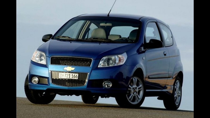 Venezuela: governo vai controlar preços dos carros para combater inflação