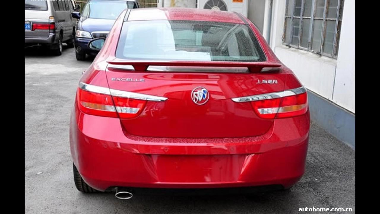Buick Excelle - Novo Astra Sedan europeu aparece sem disfarces