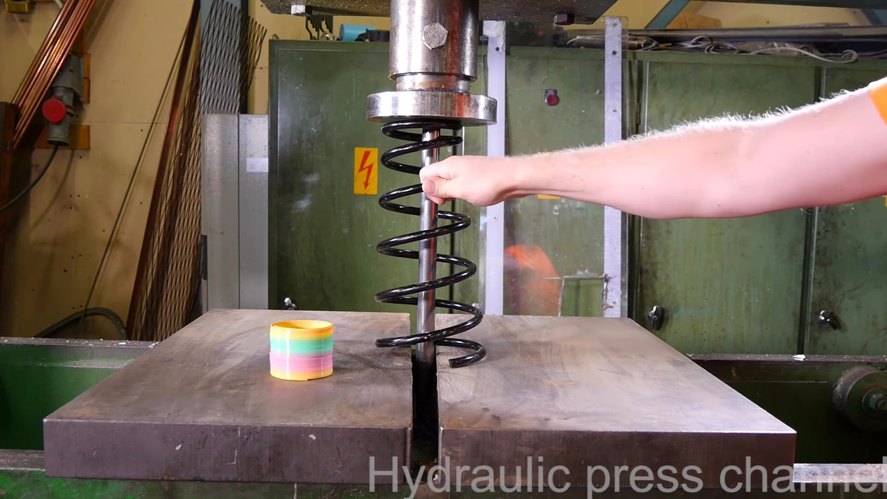 Crushed coil spring