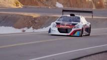 Vídeo: Sébastien Loeb pilota o Peugeot 208 T16 em Pikes Peak