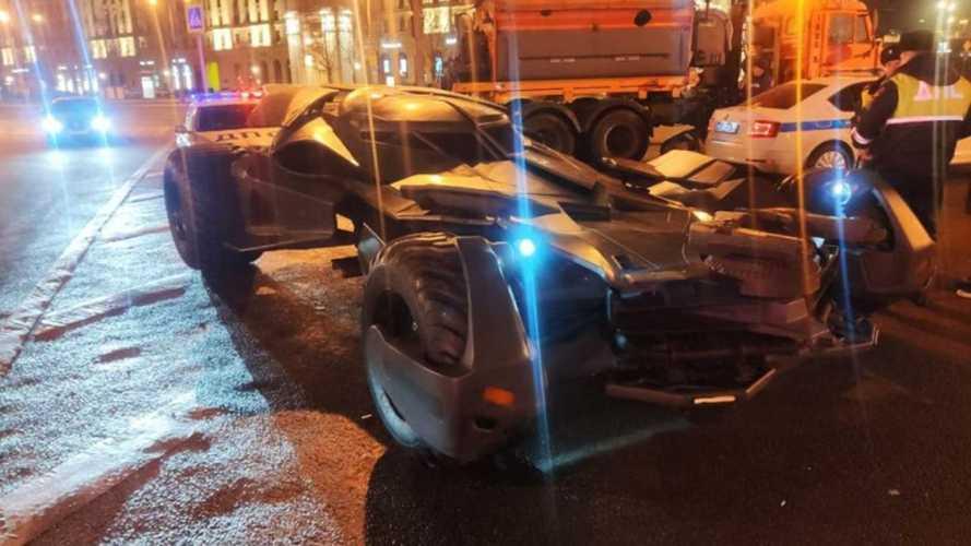 В Москве на штрафстоянку отправили… бэтмобиль