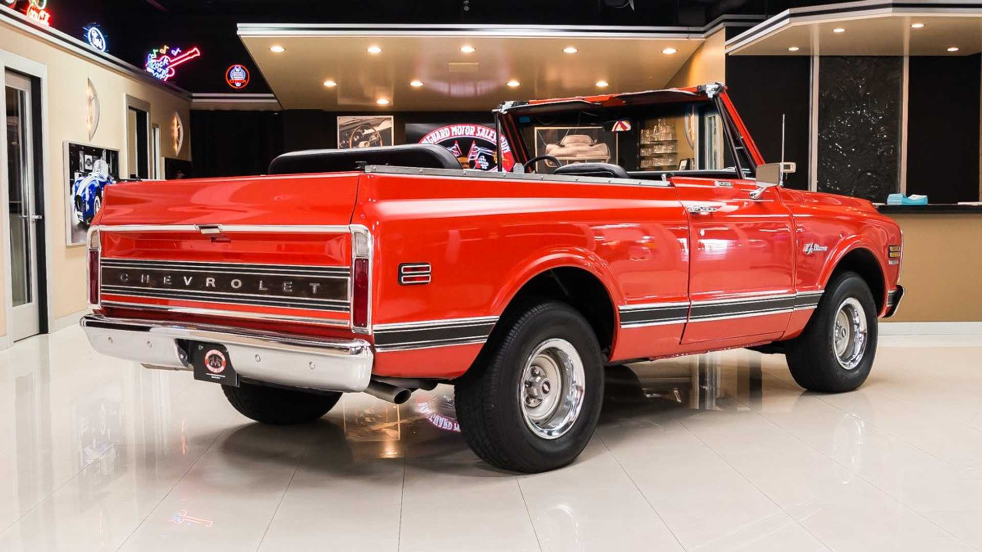 """[""""Would You Show Or Go In This Pristine 1972 Chevy Blazer?""""]"""
