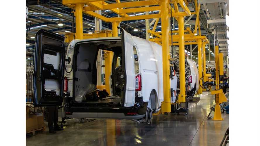 UK commercial vehicle production down more than 15 percent in 2020