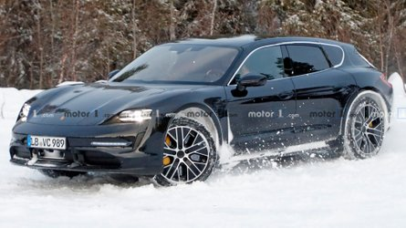Porsche Taycan Sport Turismo spied playing in the snow