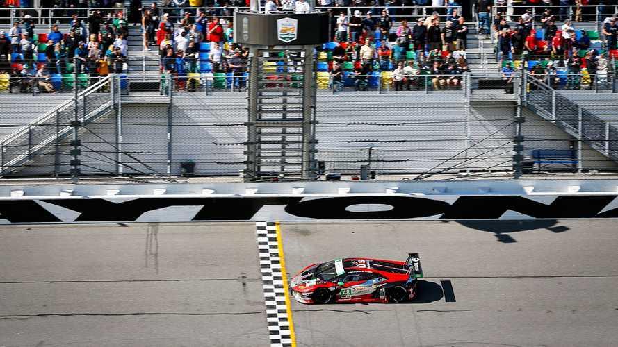 Lamborghini fa tris alla 24h di Daytona con una doppietta