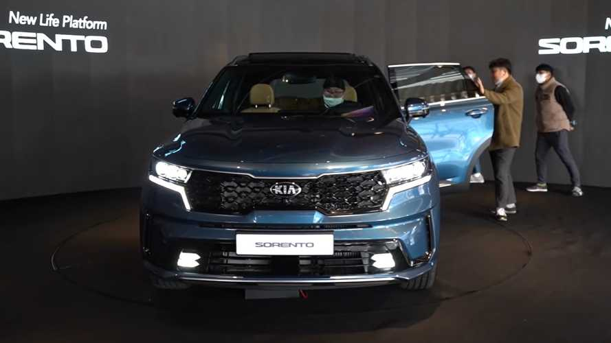 2021 Kia Sorento dissected in 36-minute video