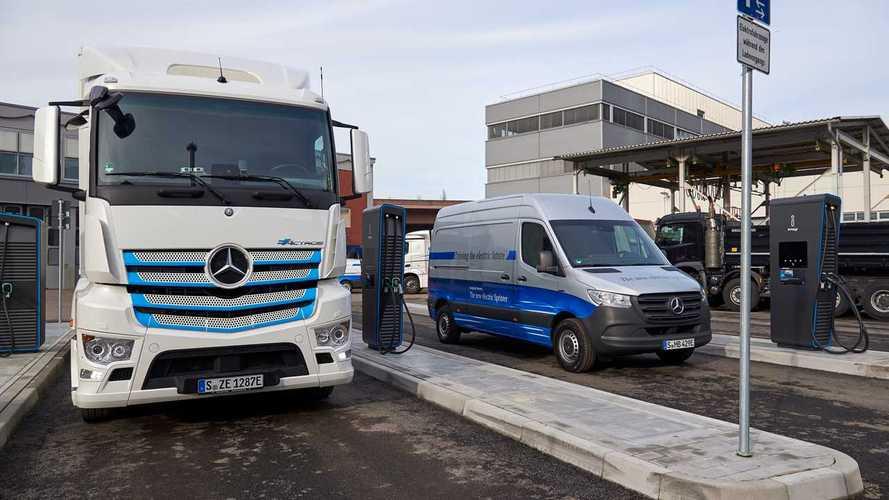 Mercedes, un'infrastruttura mondiale di ricarica dei camion elettrici