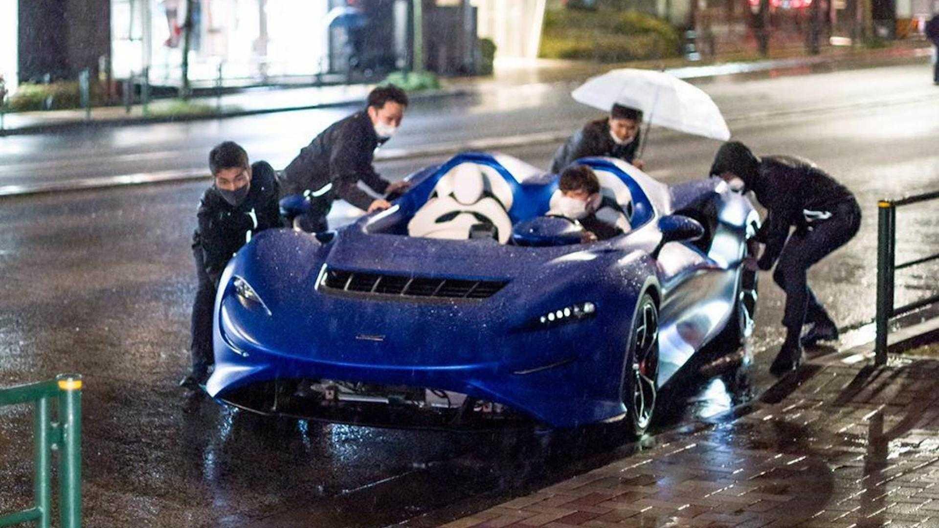 2020 - [McLaren] Elva Mclaren-elva-caught-in-the-rain