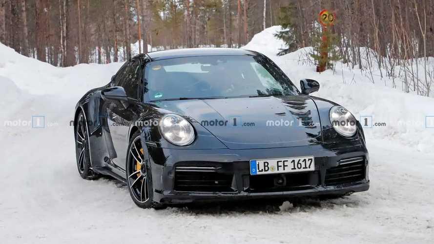 Porsche 911 Turbo S spied with ducktail spoiler