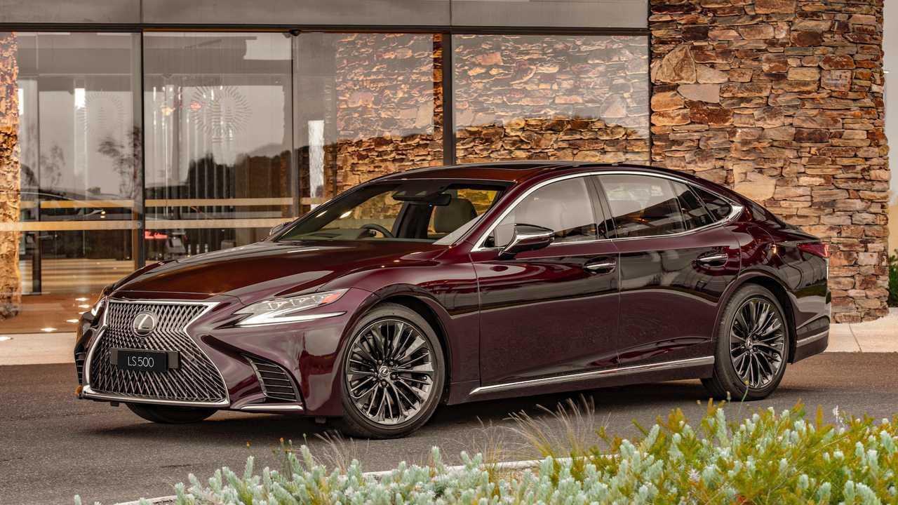 Deep Garnet: Lexus