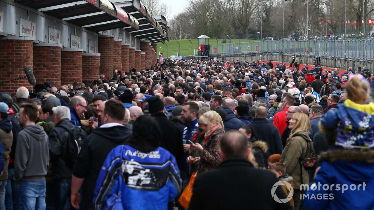 BTCC fans in the pitlane at the autograoh session at Brands Hatch test 2019