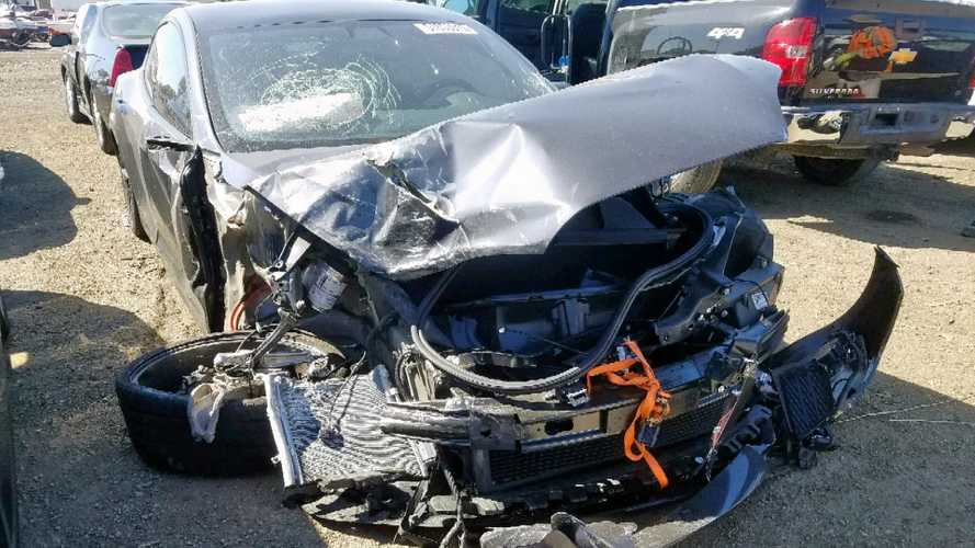 Here's The Story Of The Tesla Model S That Ran A Red Light And Crashed
