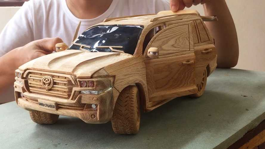 This bloke carved a Toyota Land Cruiser out of wood