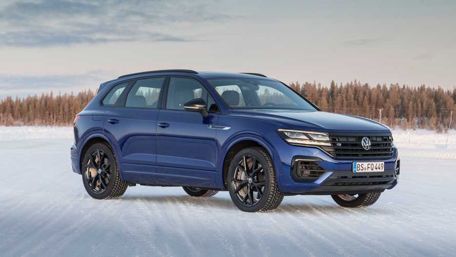 VW Touareg R Plug-In Hybrid Hot SUV Revealed With 456 Horsepower